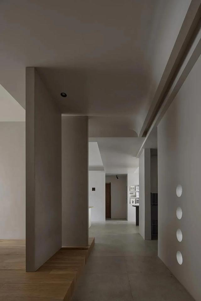 大地色系办公室装修案例   平衡、实用、不乏美