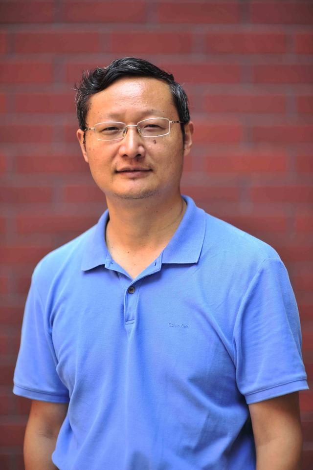 匡文波   后疫情时代中国网络媒体全球传播的机遇与挑战