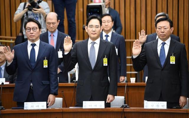 """韩国五大财阀联手""""逼宫""""!文在寅速速释放三星太子?"""
