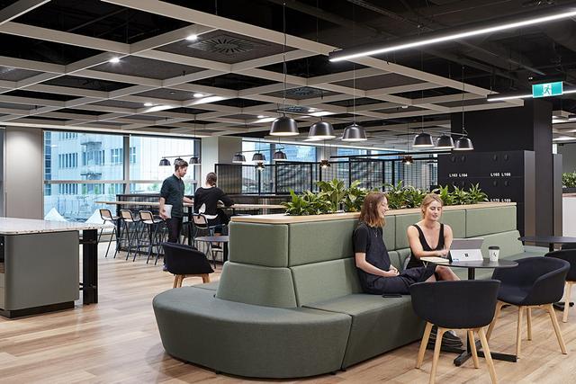 时尚灵动 澳洲公共交通运营商V/Line墨尔本总部设计欣赏