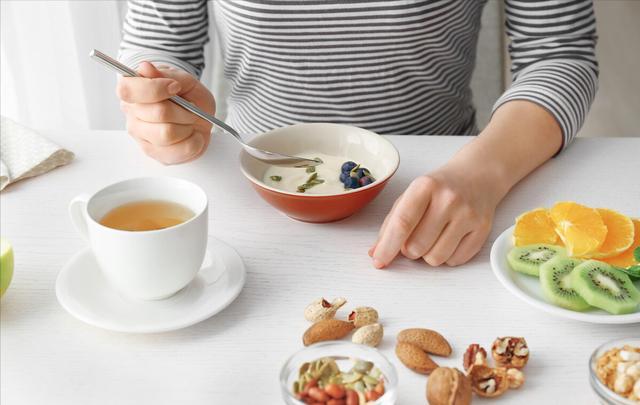 吃飯很重要,吃不對竟然能加重類風濕病情,<b><a href=