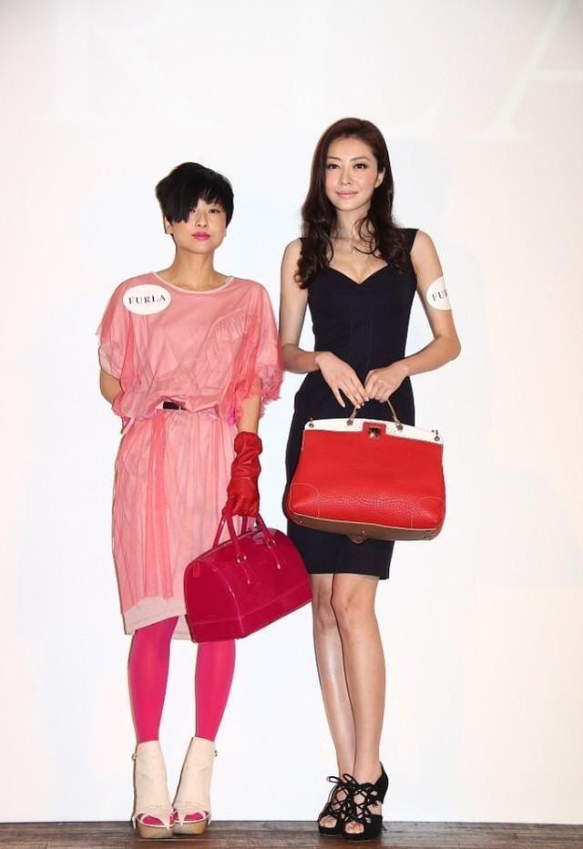 徐濠萦不愧是陈奕迅的妻子,穿粉色也这么个性,肤色黑照样美得很 第1张