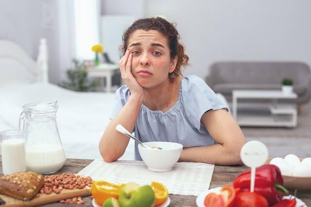 保護心腦、精神飽滿、控制食欲…早睡早起的好處不是吹的,試試吧