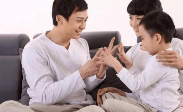 """三胎的""""AAB""""组合,并不是理想模式?""""五口之家""""深有感触"""