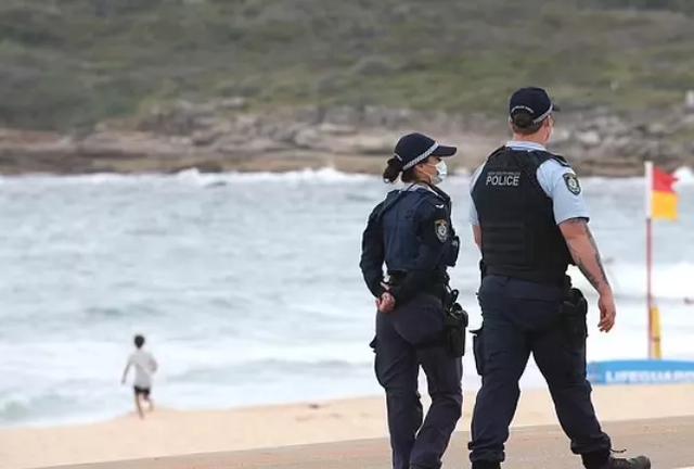 师德呢?悉尼女教师被控40多年前性侵3名十多岁男学生!现被捕