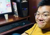 一位29岁的日本白领住在网吧,每月4000元租金,一住就是5年