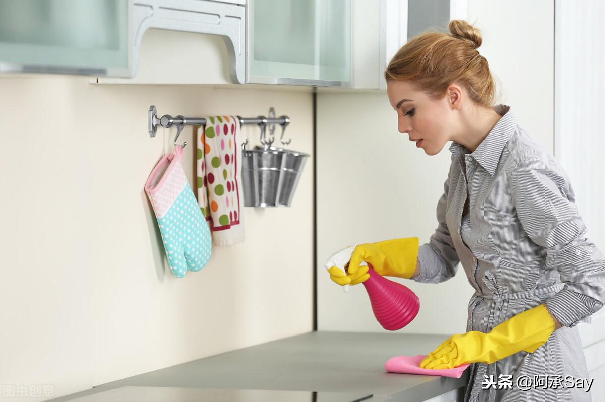 厨房油污清洗妙招 厨房油渍怎么清洗