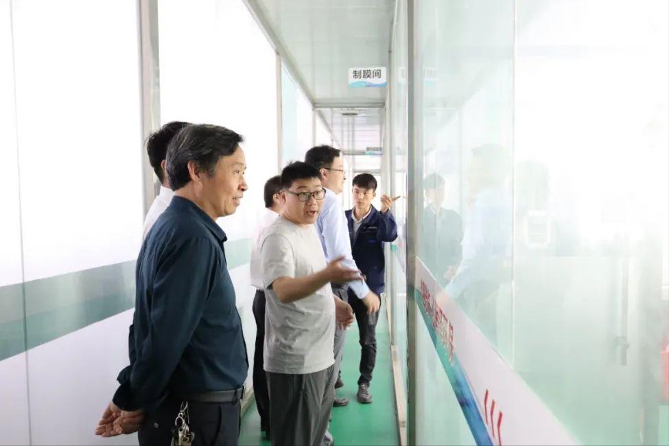 河南工程学院与沁润泽环保签署校企合作协议并授牌(图6)