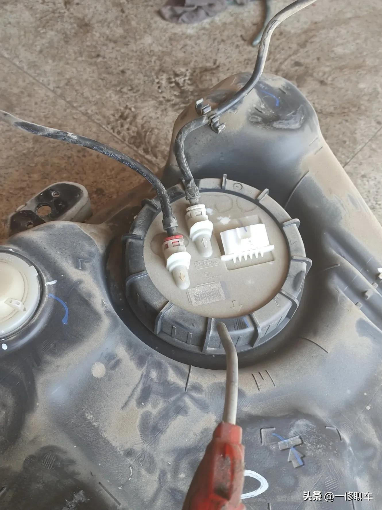 汽油滤芯需要定期更换吗?费用要多少?修车师傅来告诉你