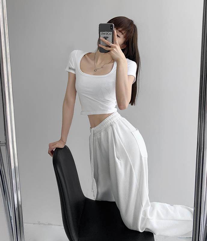 夏季短袖看见女生内衣,白t恤太透内衣怎么穿