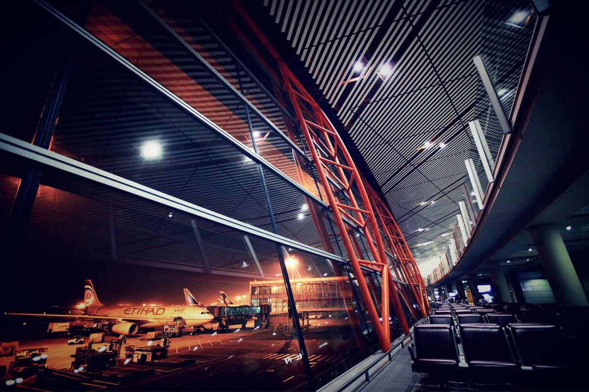 台湾省面积仅有3.6万平方公里,机场却全国最多,原因何在?