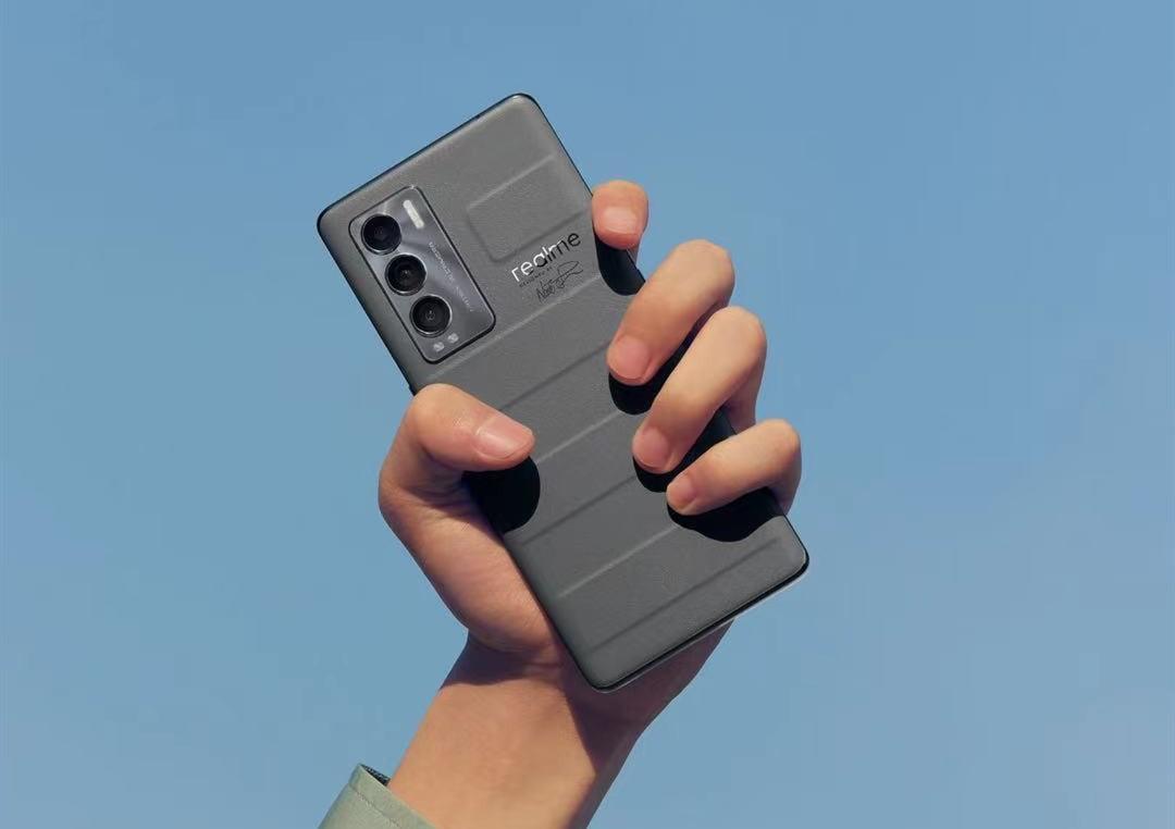 3K价位段最强拍照手机,华为都赶之不及!realmeGT大师探索版体验