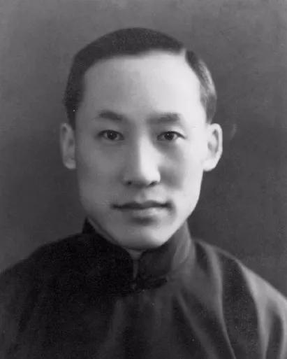 他是邓稼先、杨振宁的老师,教出9位2弹1星专家,晚年却沦为乞丐