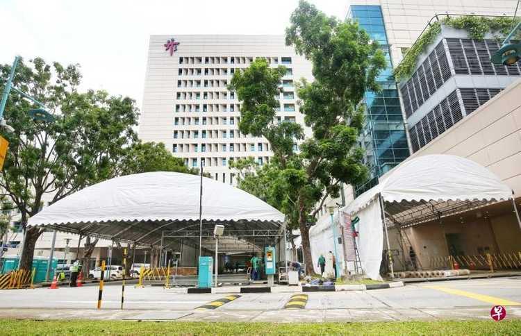 为降低新冠病毒传播风险,新加坡医院将暂停公众探病