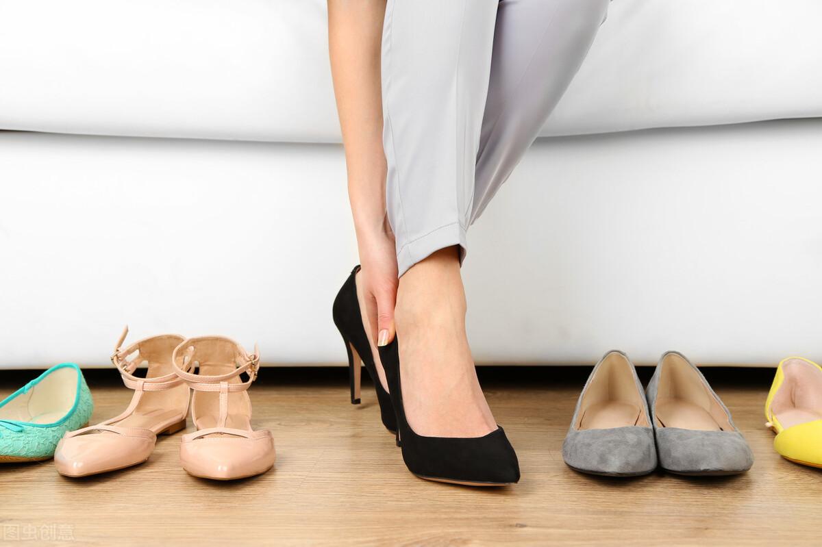 壹健康经验:脚磨破了要不要贴创可贴?新鞋子脚后跟磨脚怎么办
