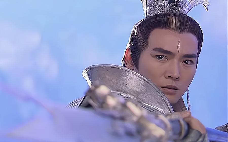 """同样是演""""杨戬"""",冯绍峰和焦恩俊一对比,差距就明显了"""