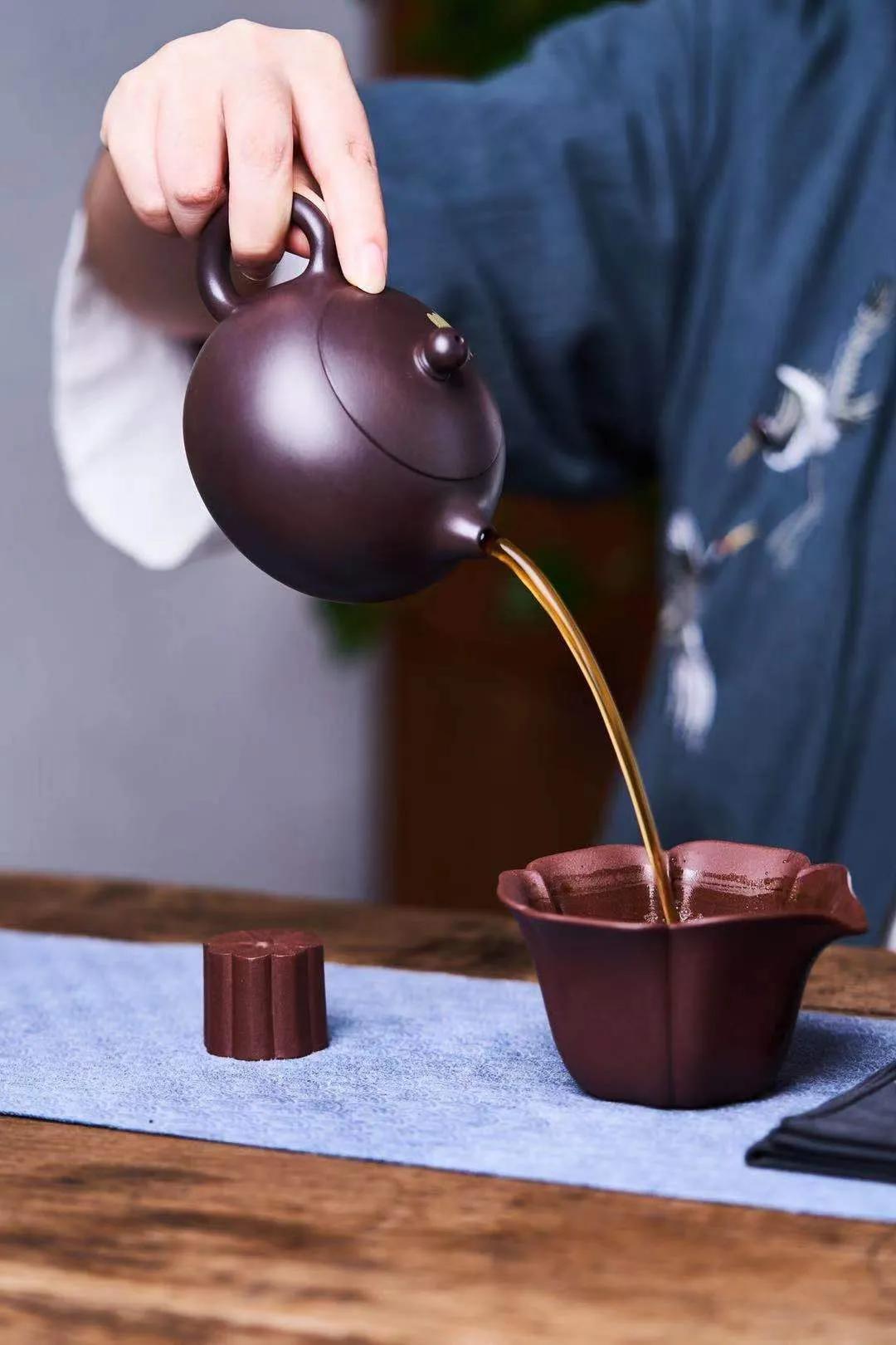 最简单的开壶方法,送给紫砂壶友们