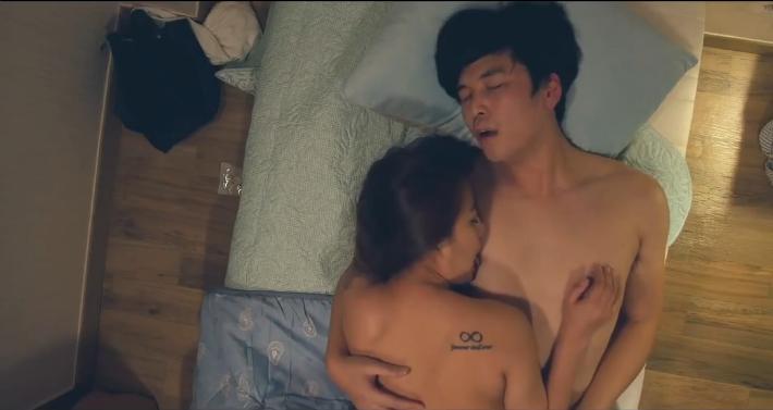 女老师影片剧照3