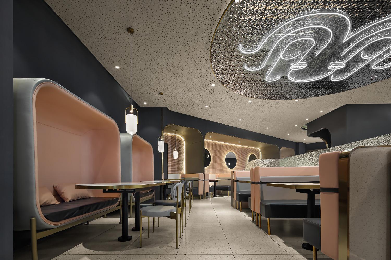 新派烤肉餐廳設計:小豬小牛斗章魚,約戰在這深海視覺空間