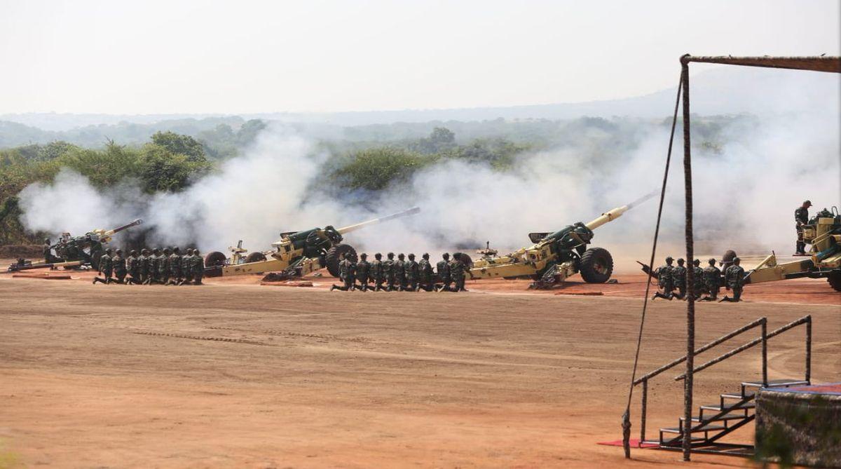 解放军100门卡车炮列阵边境,射程是对方2倍,印没法打