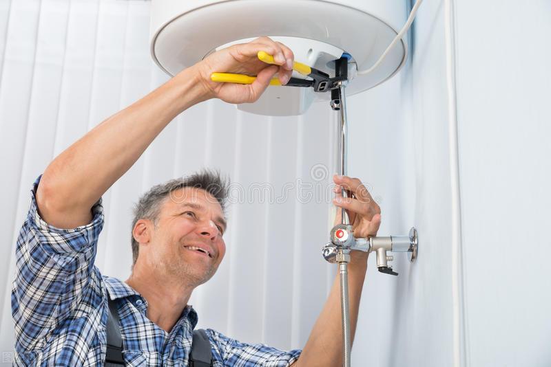 电热水器怎么清洗水垢