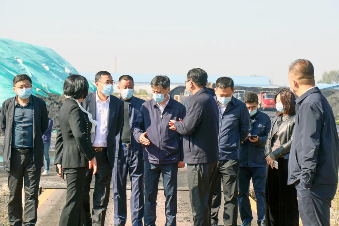市委副书记、代市长姚华明到营口热电集团调研供暖准备工作