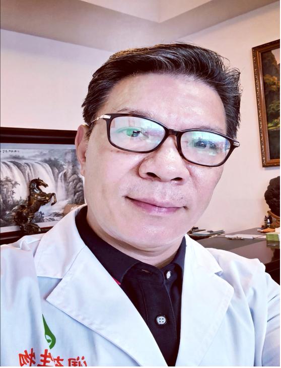当代中医药传承人——潘俊宇博士