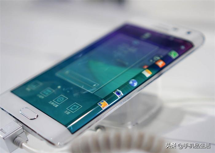 目前什么手机膜最好用(现在手机贴什么膜是最好的)插图(1)
