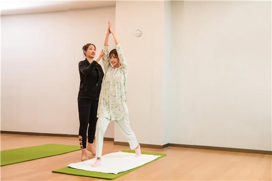 产后塑形瑜伽 昆明产后修复中心 昆明麦蓝月子中心