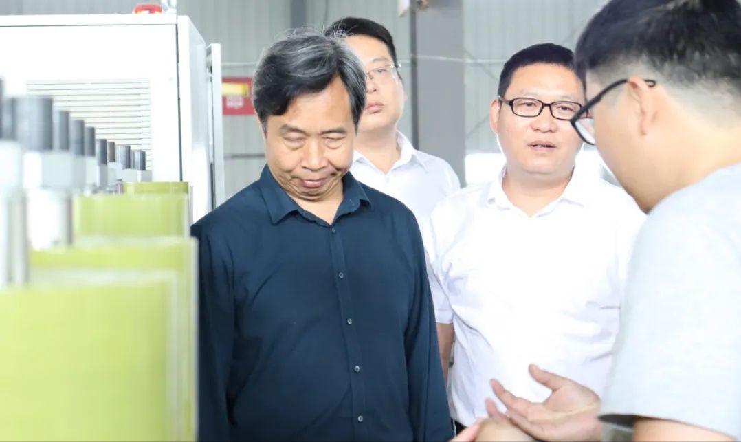 河南工程学院与沁润泽环保签署校企合作协议并授牌(图9)