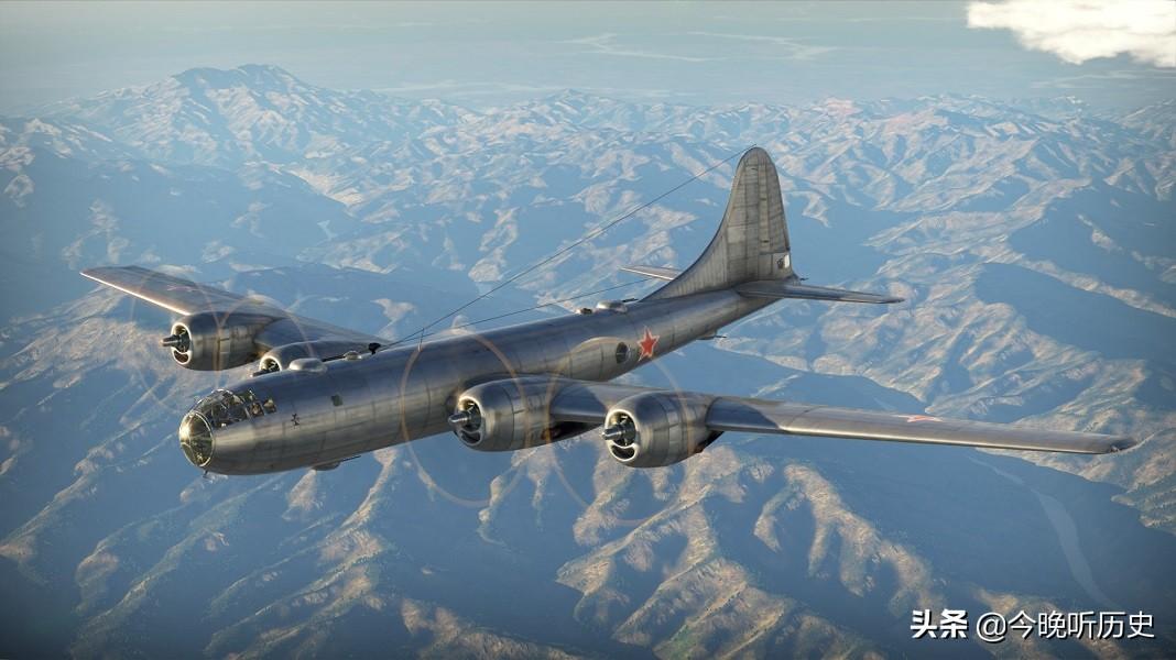 我军轰炸机发现地面叛匪有人穿红衣,上报后指挥部回复:这是匪首